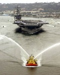 M.USA.Aircraft-carrier Ronald Reagan entering San Diego Harbour,July 2004.jpg
